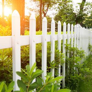 Ogrodzenia sztachetowe a ogrodzenia panelowe - podobieństwa i różnice