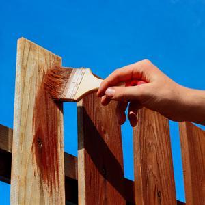 Malowanie ogrodzenia – jak wykonać to dobrze?