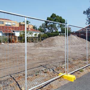 Czy ogrodzenie działki budowlanej jest konieczne?