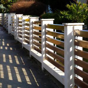 Jaki rodzaj ogrodzenia jest korzystniejszy? Ogrodzenie horyzontalne vs. ogrodzenie panelowe
