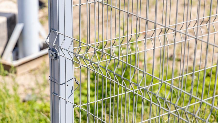 Jak dbać o ogrodzenie panelowe?