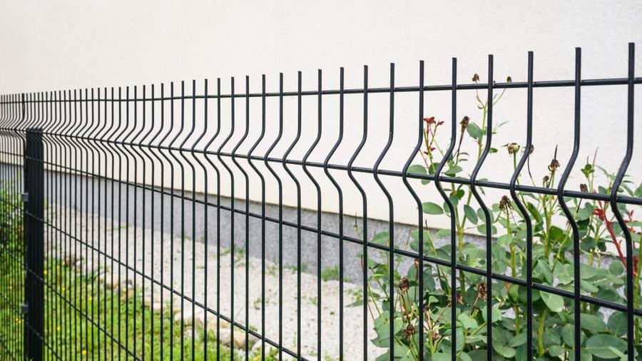"""Modne ogrodzenie – jak wybrać ogrodzenie """"na czasie""""?"""