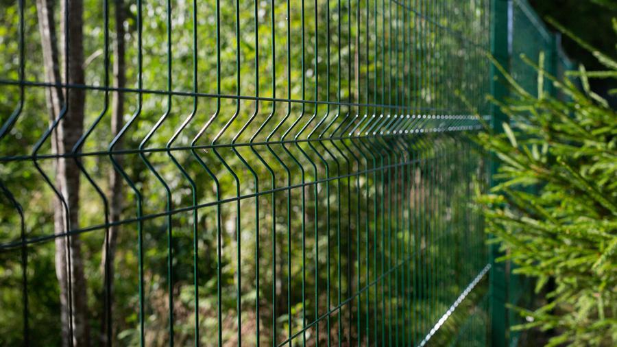 Czym są ogrodzenia ocynkowane i dlaczego warto je stawiać?