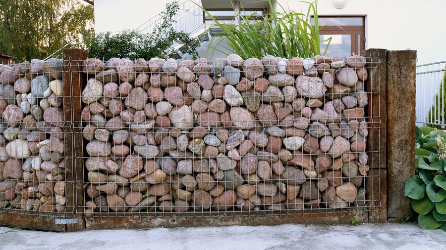 Jak dbać o ogrodzenie z kamienia?