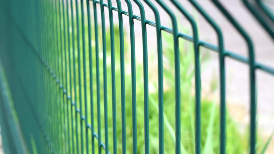 Solidne ogrodzenia – czym się charakteryzują?
