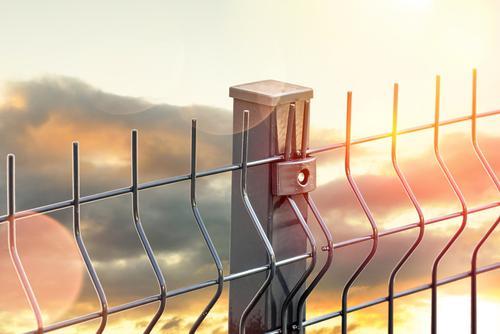 Ogrodzenie panelowe na skarpie